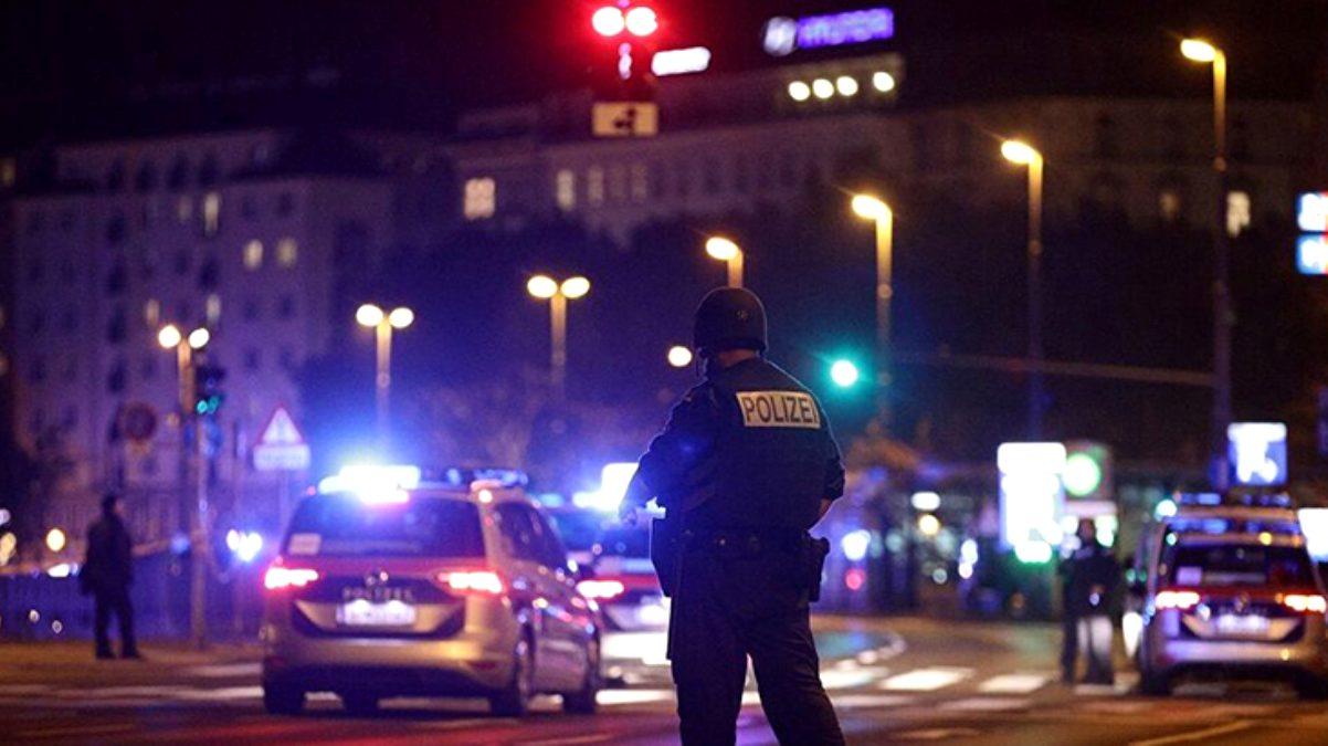 3 ölü, 15 yaralı! Viyana'da sinagog yakınlarındaki terör saldırısını Türkiye şiddetle kınadı