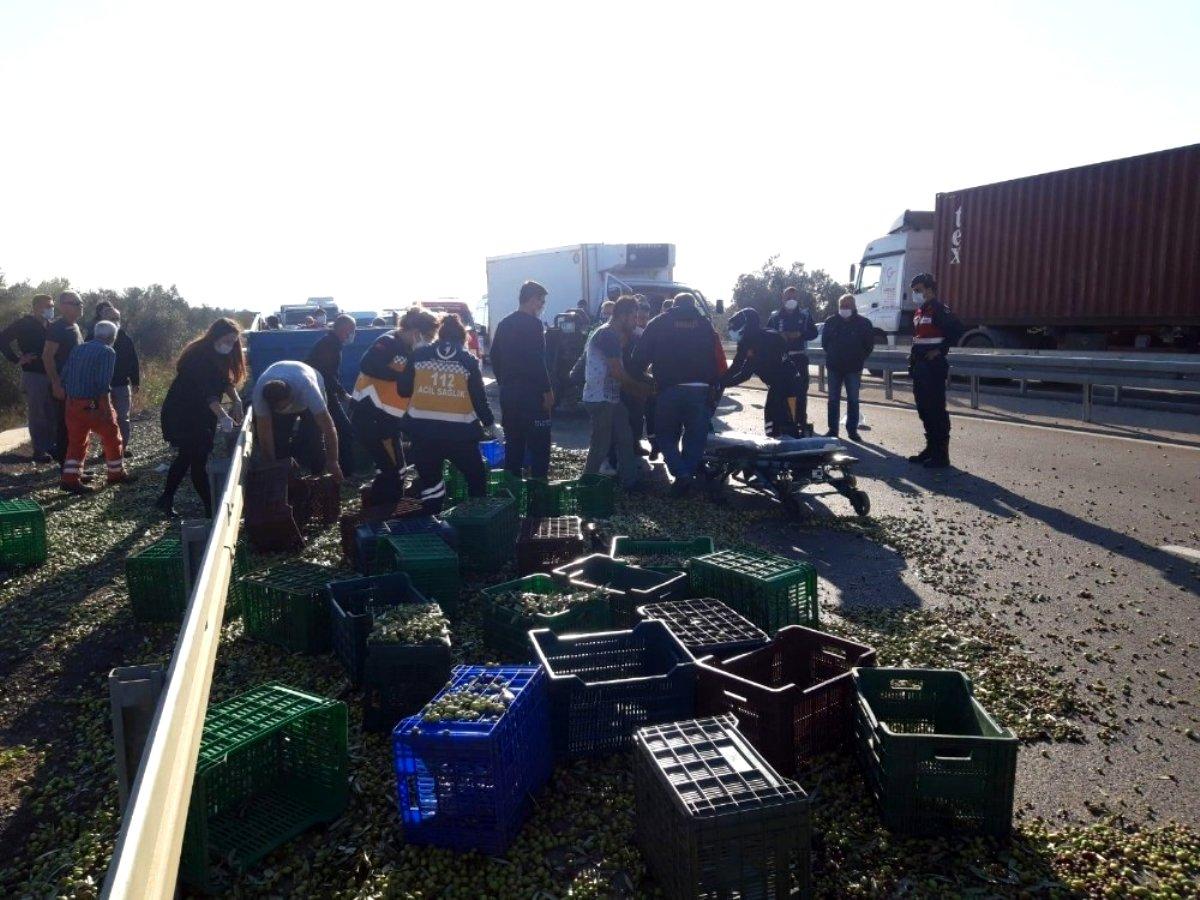 Gömeç'te traktör ile kamyonet çarpıştı, can pazarı yaşandı