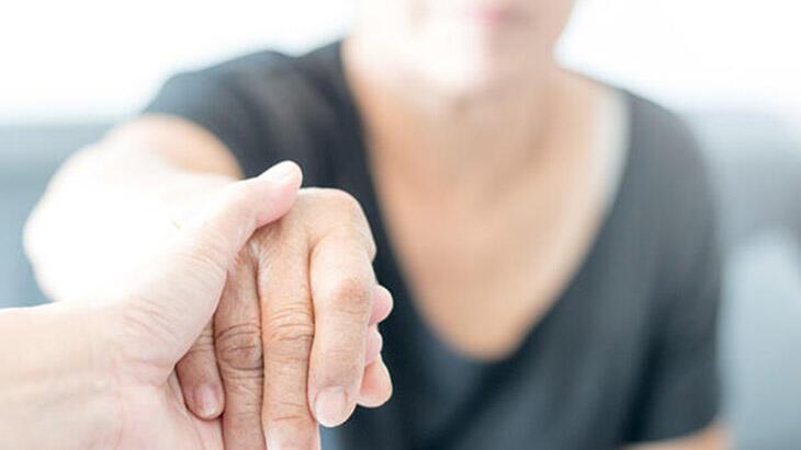 Türkiye'de 300 bin civarında alzheimer hastası var!